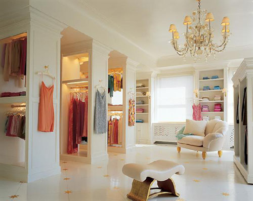 clothes-and-shoes-closet