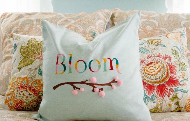 Spring-Pillow-Cover-at-diyshowoff.com_
